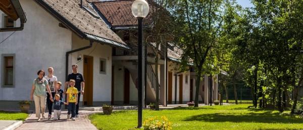 Hotelsko naselje Zeleni Gaj ***
